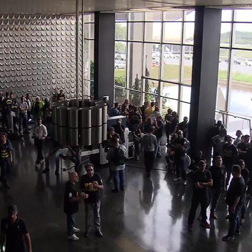 Agentes penitenciários invadem prédio do Ministério da Justiça