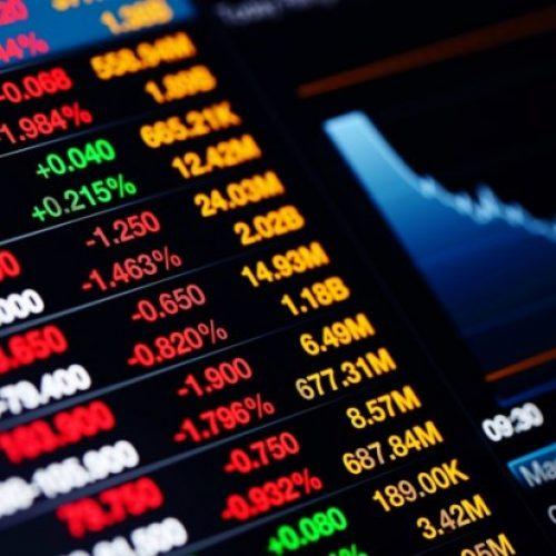 Bolsa cai mais de 10% e trava negociações pela primeira vez desde 2008