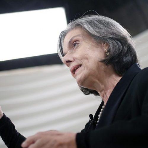 Cármen Lúcia envia ação da PGR a Mendes para defesa de impedimento