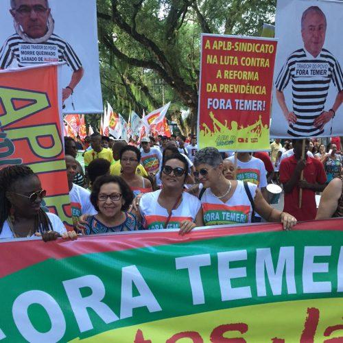 Lídice da Mata pede PEC para eleições diretas em ato em Salvador