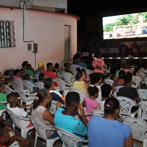 'Mais Cinema' chega à primeira base comunitária de Salvador