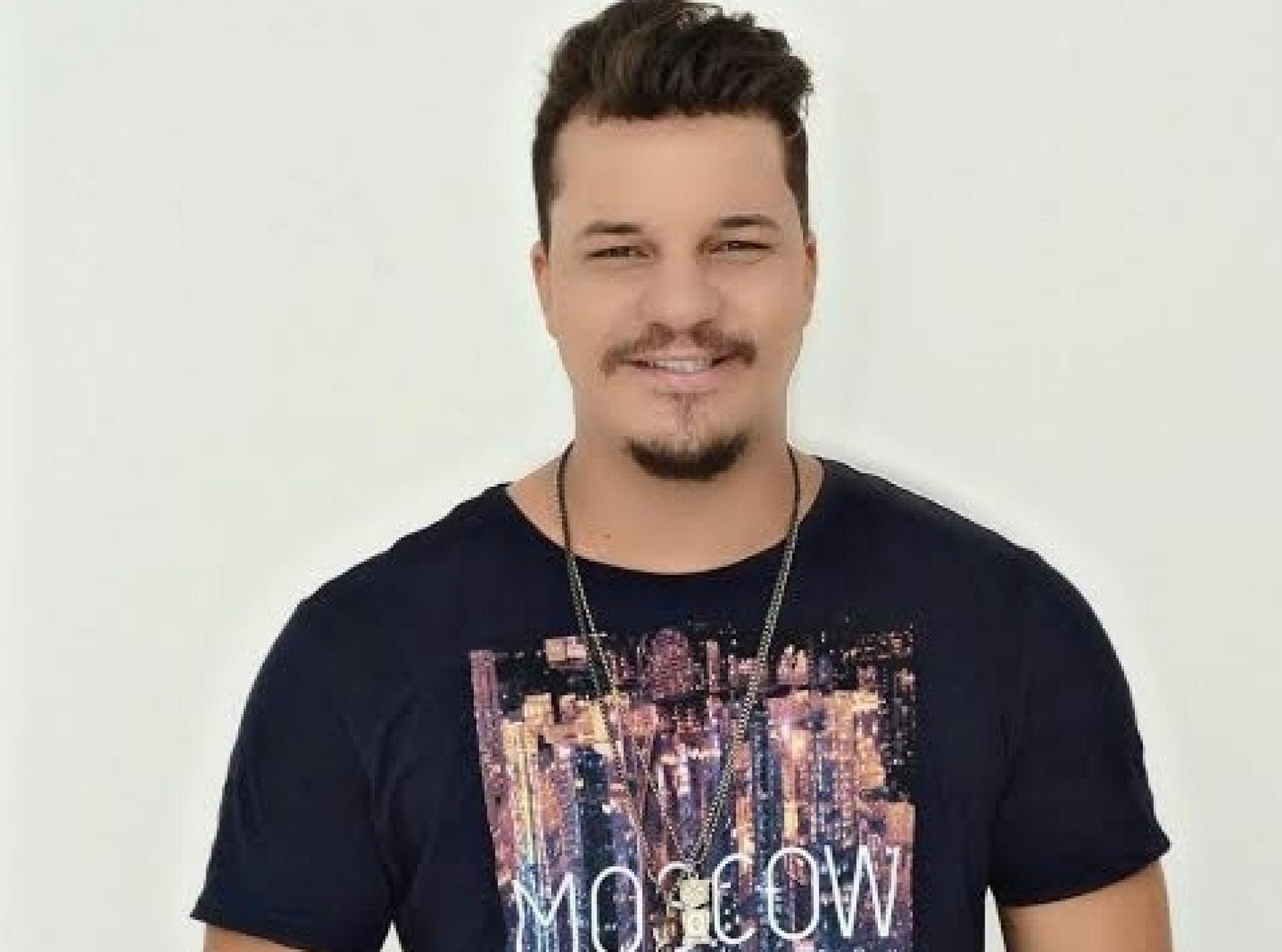 Vegas Country com o cantor e compositor Milsinho Veloso