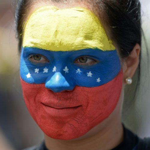 Venezuela: em plebiscito, 98% rejeitam constituinte de Maduro