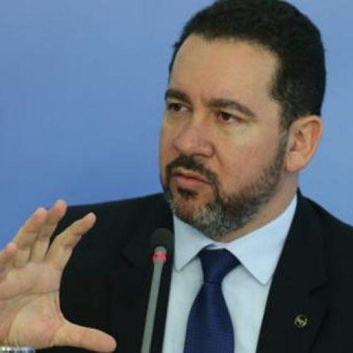 PIB do primeiro trimestre vai registrar crescimento, diz Dyogo Oliveira