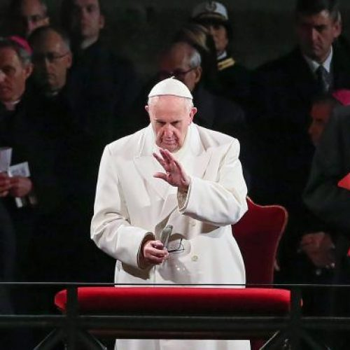 Papa pede solução para crise na Venezuela