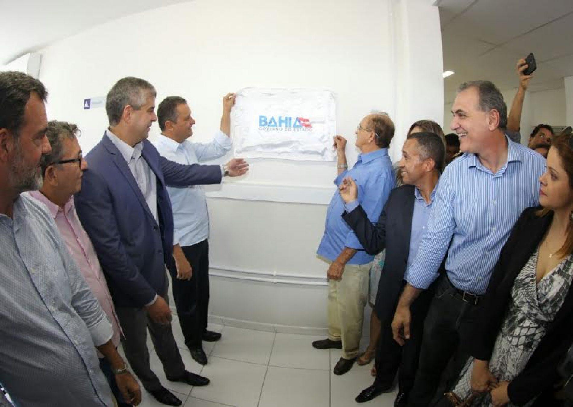 Rui Costa entrega nova sede da delegacia da mulher em Paulo Afonso