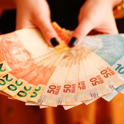 Poupança perde R$ 1,270 bilhão em abril