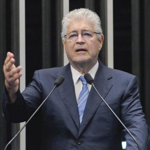 """Requião: quem tirar apoio à Renan receberá """"mala igual à de Loures"""""""