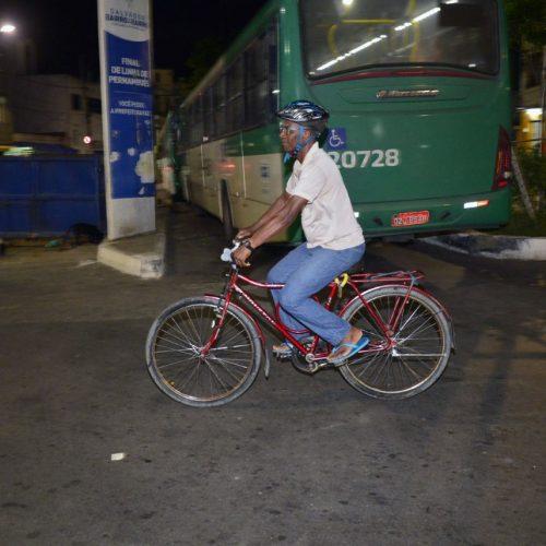 Salvador: Servidor ganha folga por ir e voltar do trabalho de bicicleta