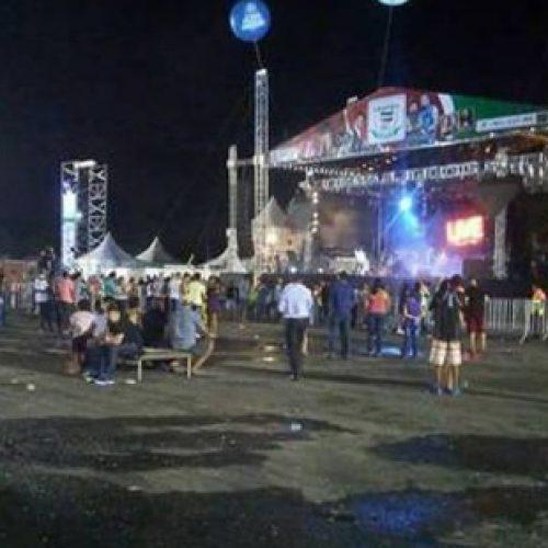 Show gratuito de Chitãozinho e Xororó reúne menos de 100 pessoas