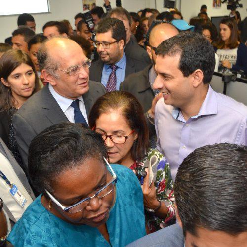 Vereadores conferem inauguração de posto de cadastramento biométrico
