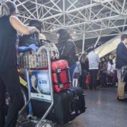Projeto na Câmara prevê imobilização de passageiro que fizer bagunça em avião