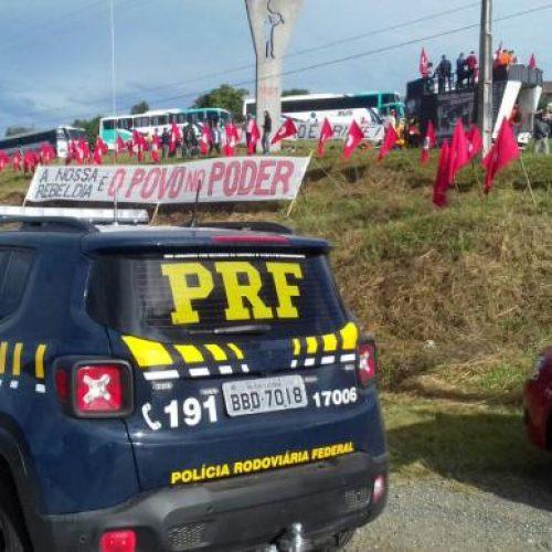Depoimento de Lula: manifestantes começam a chegar a Curitiba