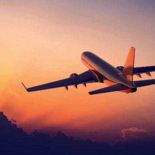 Demanda por transporte aéreo doméstico cresce 5,4% em março, diz Anac