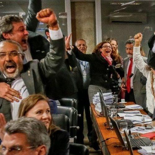 Comissão do Senado rejeita reforma trabalhista