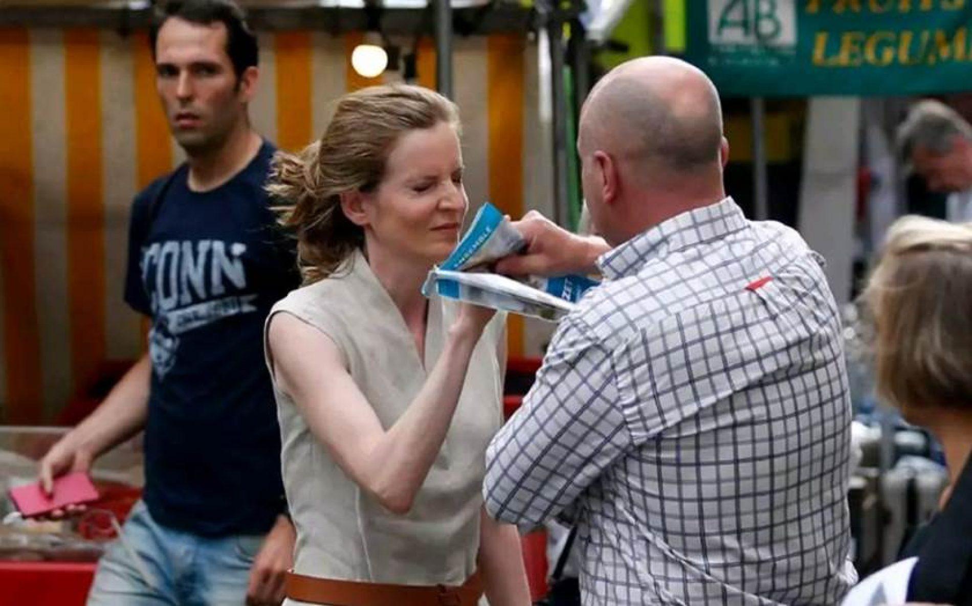 Ex-ministra francesa é agredida e desmaia em Paris