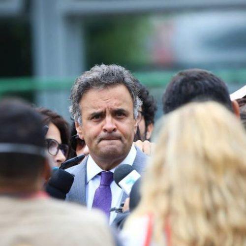 FHC e Aécio não vão à reunião do PSDB para discutir apoio a Temer