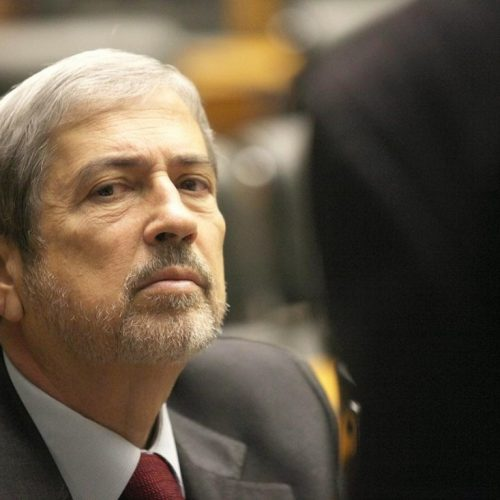 Ministros do PSDB dizem a Temer que o partido permanece na base