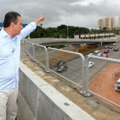 Rui Costa inaugura novo viaduto na Avenida Paralela