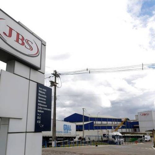 """Defesa da JBS fala que empresa sofre """"retaliação"""" do governo"""
