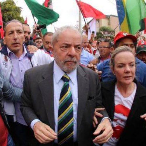 Presidente do PT quer confronto popular nas ruas caso Lula seja preso