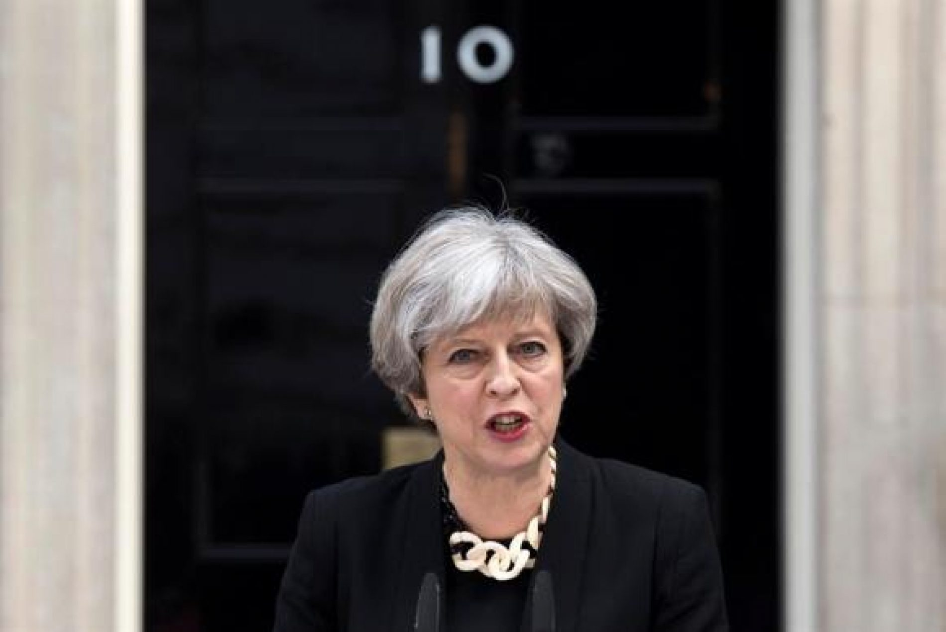 Theresa May nomeia novo ministro para o Brexit