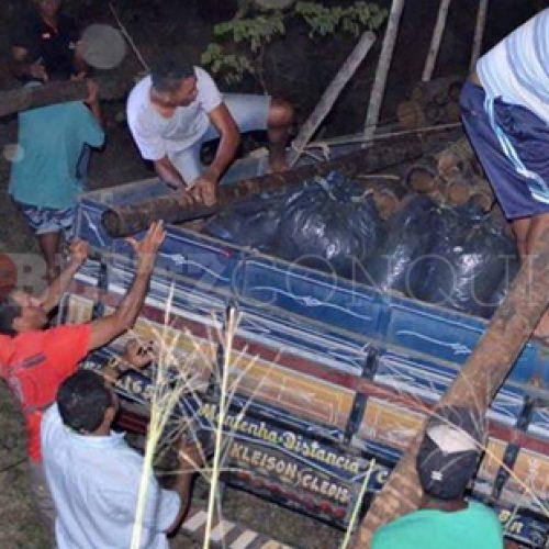 Conquista: Homem vai parar debaixo de caminhão em acidente e morre na BR-116
