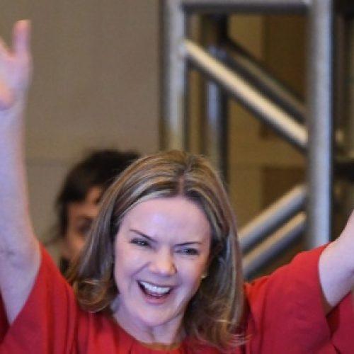 Senadora Gleisi Hoffmann é eleita presidente do PT pelos próximos dois anos