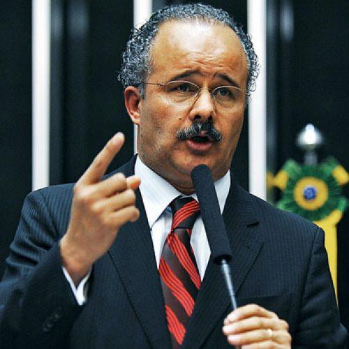 'Emenda Lula' impede prisão de candidatos a 8 meses da eleição