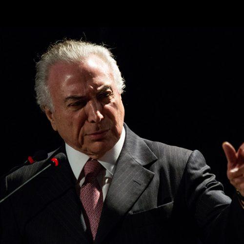 Governo exonera 10 ministros para reforçar placar a favor de Temer na Câmara
