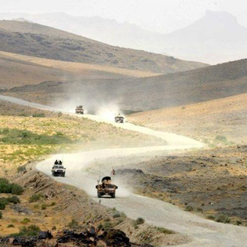 Ataque talibã contra base militar mata 26 soldados no Afeganistão