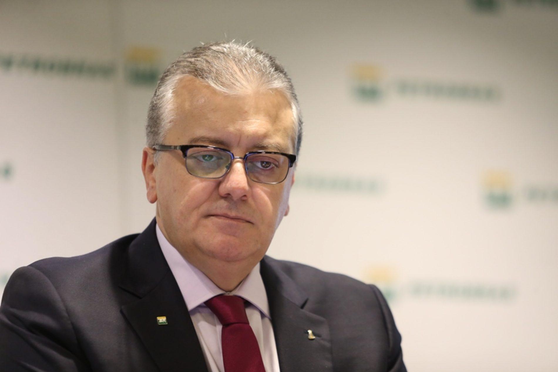 Justiça mantém bloqueio de R$ 4 milhões de ex-presidente da Petrobras