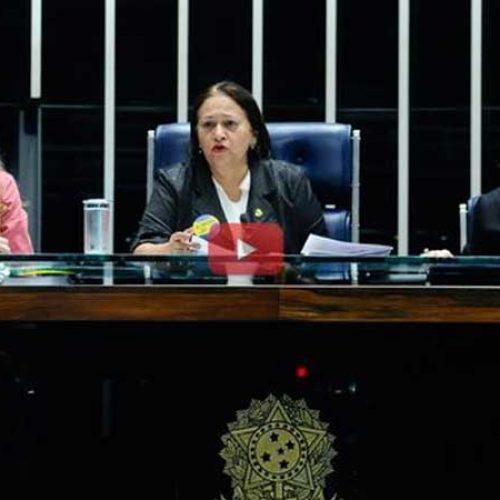 Confusão no plenário suspende votação da reforma trabalhista