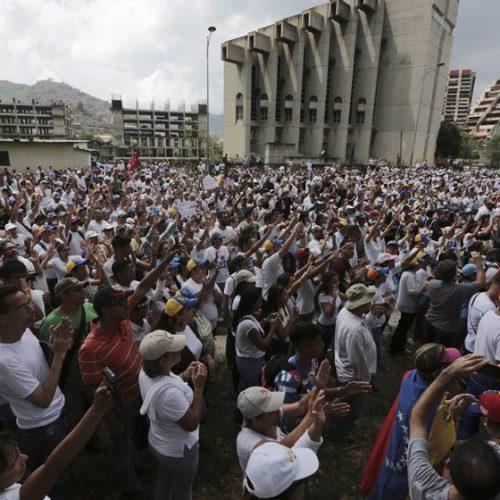 """Venezuela proíbe manifestações que """"prejudiquem"""" Constituinte"""