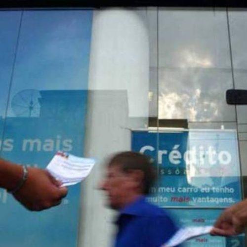 Demanda por crédito sobe 2,1% no 1º semestre, revela Serasa