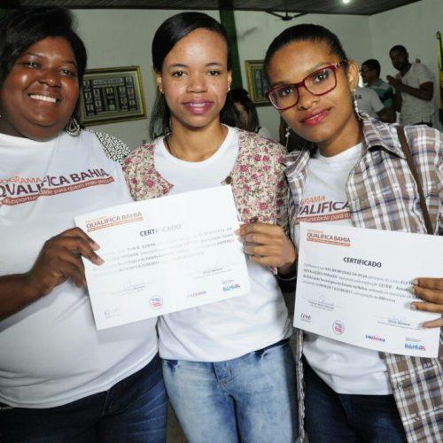 Governo certifica trabalhadores dos municípios de Muritiba e Sapeaçu
