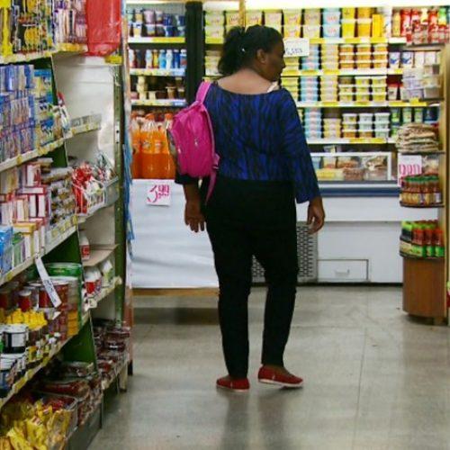 Inflação do país nos últimos 11 anos pesou mais no bolso do pobre, diz Ipea