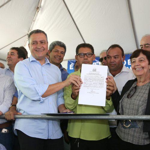 Itiúba recebe sistema de abastecimento de água e outras ações