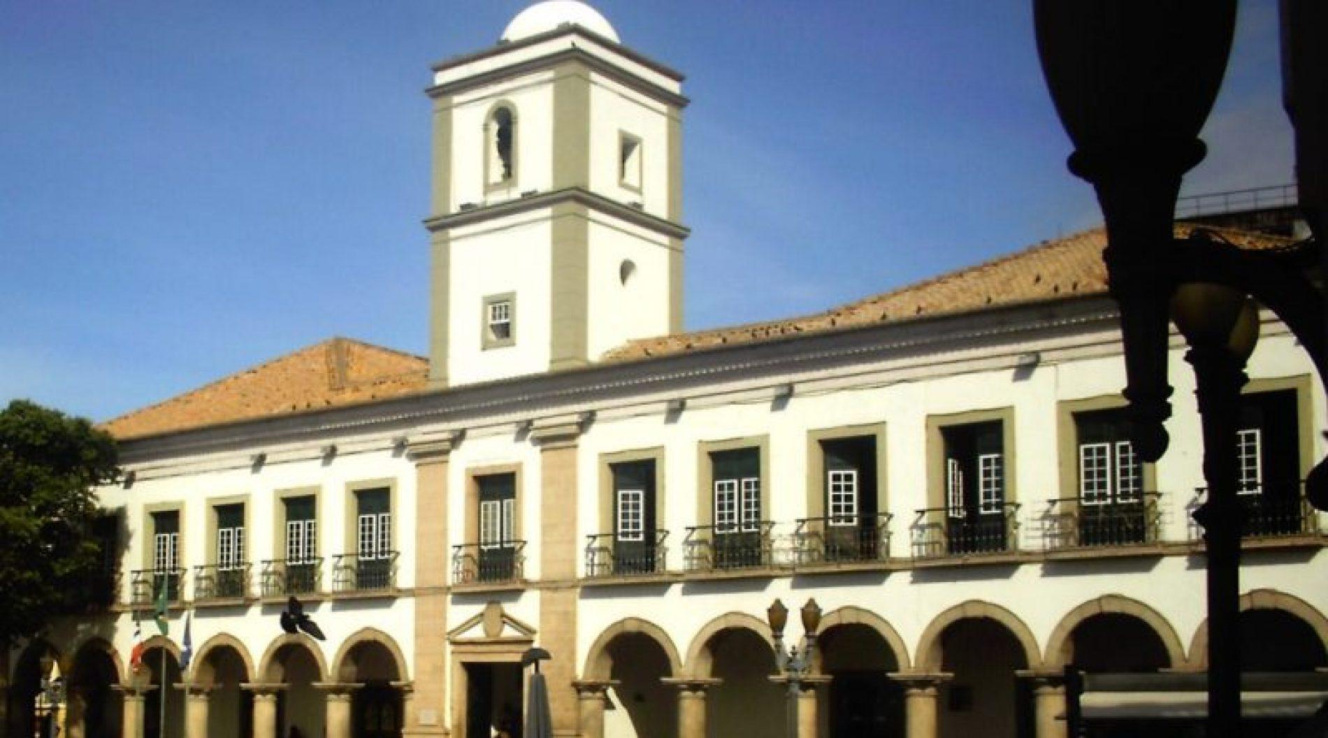 Léo Prates e Cacá Leão se unem para reformar prédio da Câmara Municipal de Salvador