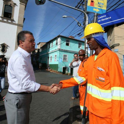 Rui Costa entrega requalificação da Ladeira de Santana  e visita obras nas ruas do bairro de Nazaré