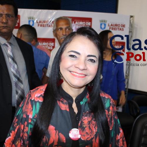 Lauro de Freitas: Moema Gramacho faz balanço da gestão e pede descupa à população pela buraqueira na cidade; assista