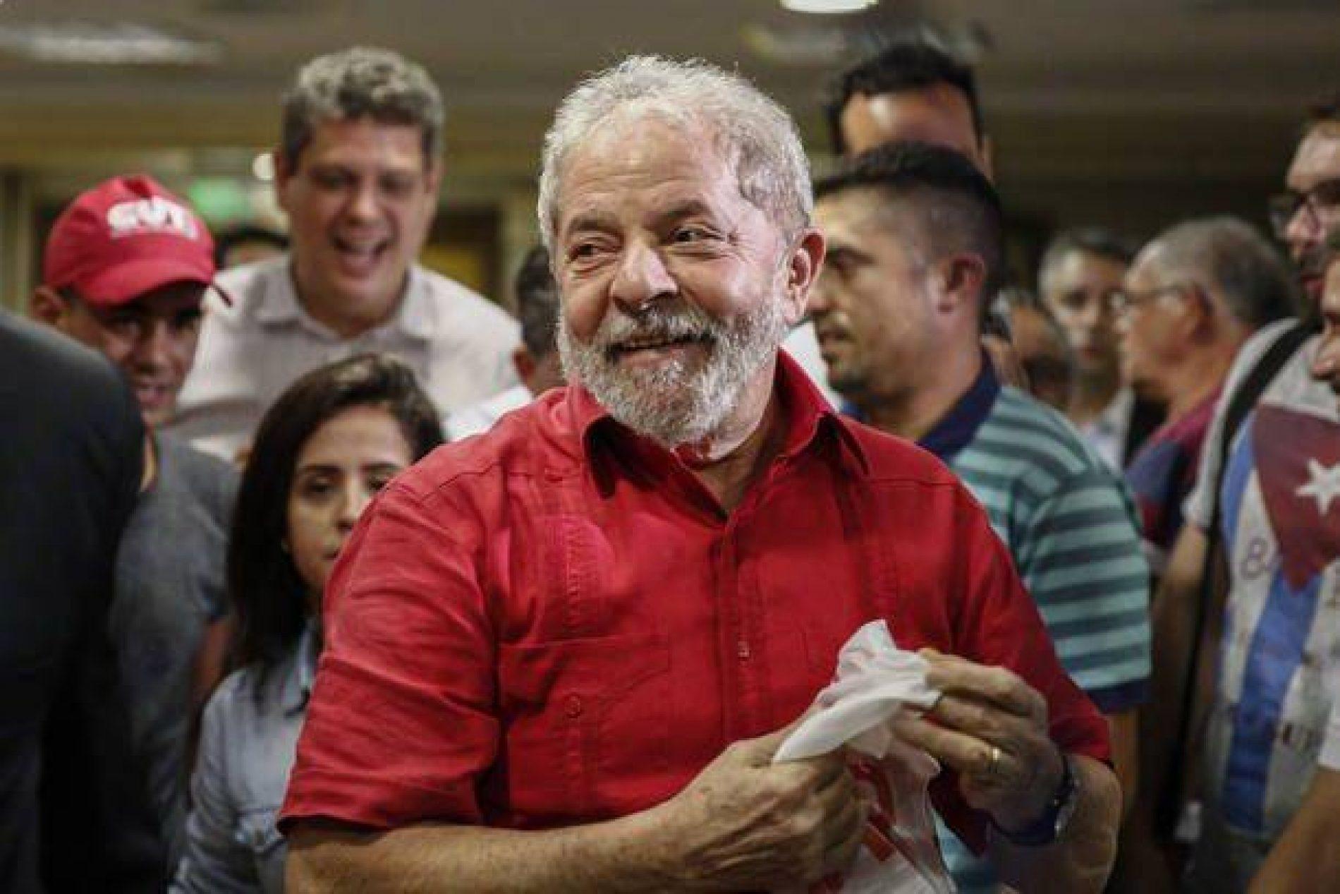 Lula diz que não se arrepende de ter tido uma relação próxima com Léo Pinheiro