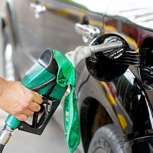 Petrobras anuncia alta de 1,80% no preço da gasolina e queda no diesel