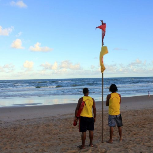 Salvamar alerta para risco de banho de mar com altas ondas