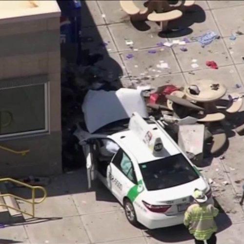 Veículo atropela pedestres em Boston e deixa vários feridos, diz polícia
