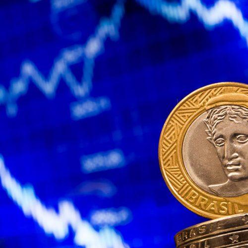 Agência de risco retira observação negativa de crédito do Brasil