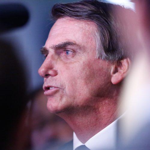 """Bolsonaro diz que Miriam Leitão é """"porca"""" e irá """"lamber suas botas"""""""