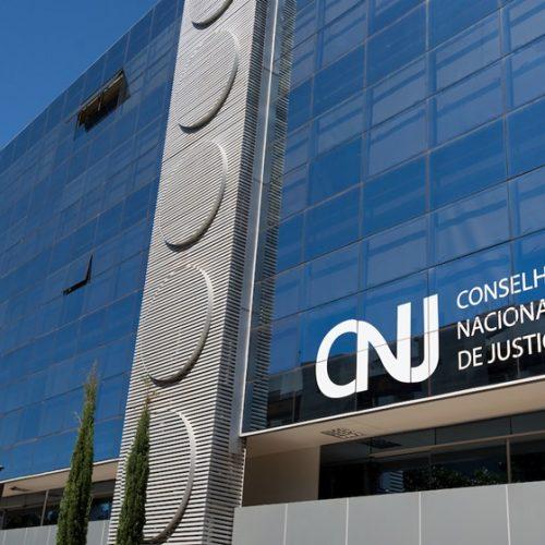 CNJ manda suspender salários de juízes em Mato Grosso