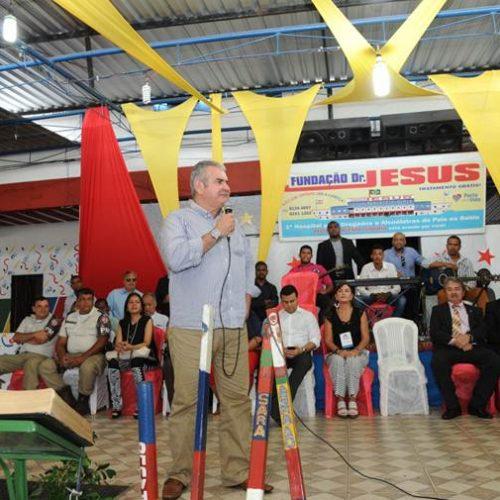 Comitiva de deputados conhece o trabalho da Fundação Dr. Jesus