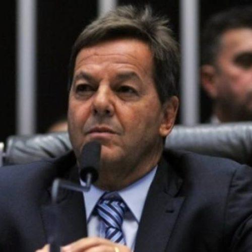 Deputado que deu parecer contra Temer pede desfiliação do PMDB